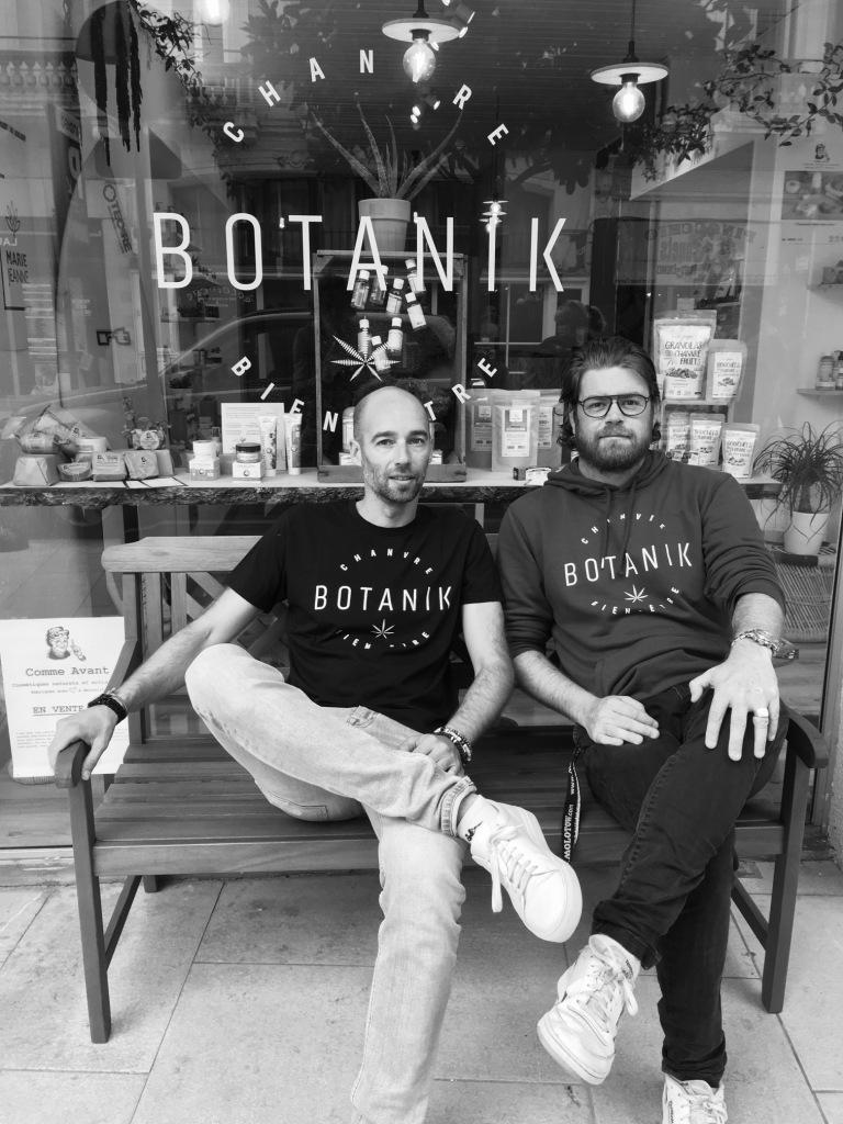 Jérôme Monbailly à gauche, Benjamin Zannin à droite créateur de Botanik boutique spécialisée en chanvre bien-être.
